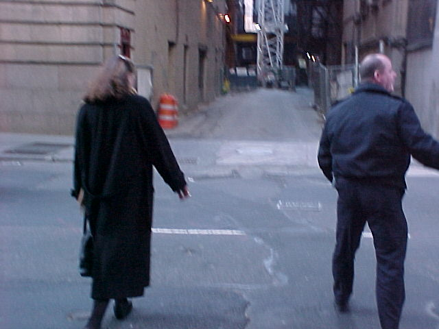 Kathleen Turner heads back to the theatre/alley.
